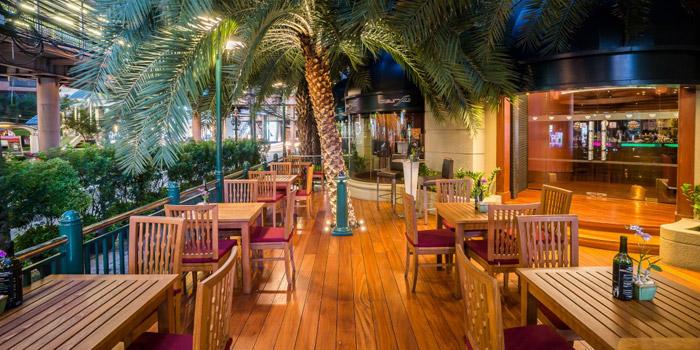 Outside Area of BarSu Cafe at Sheraton Grande Hotel, Bangkok