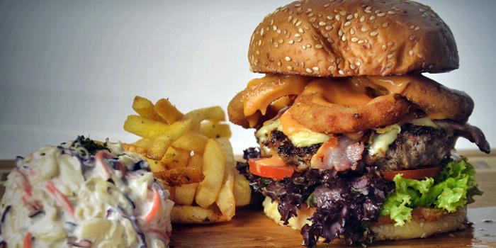 Signature Burger from Meats N Malts at BreadTalk IHQ in Tai Seng, Singapore