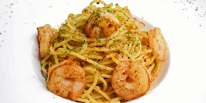 Spaghetti Prawn Aglio Olio from The Public House in Boat Quay, Singapore