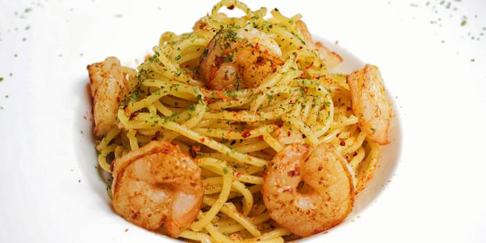 Spaghetti Prawn Aglio Olio from The Public House in Boat Quay, Singapore