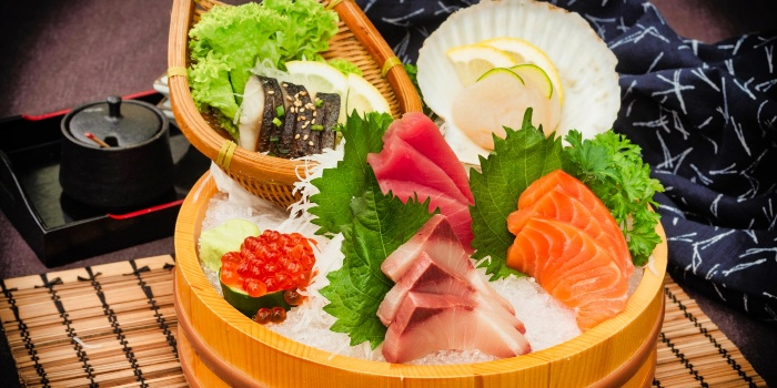 Assorted Sashimi from Una Una (Suntec) at Suntec City Mall in Promenade, Singapore