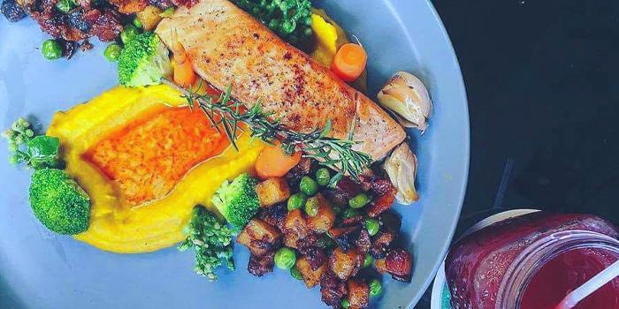 Salmon Steak in Shoo Shee from Quaint Bangkok at 23 Soi Sukhumvit 61 Khlong Tan Nuea, Watthana Bangkok