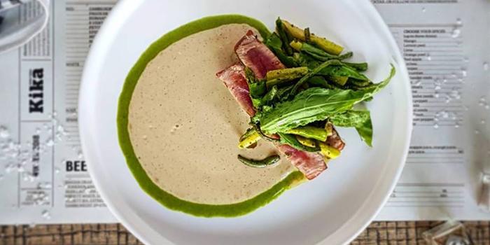 Tuna Steak from Kika Kitchen & Bar at 14 Convent Rd, Silom, Bang Rak, Bangkok