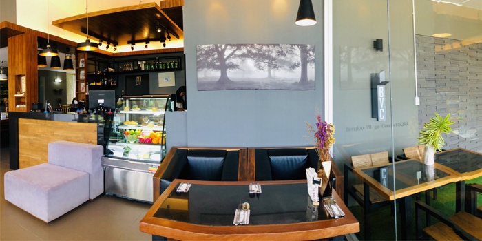 Restaurant Atmosphere of Hill Myna Cafe in Cherngtalay, Phuket, Thailand