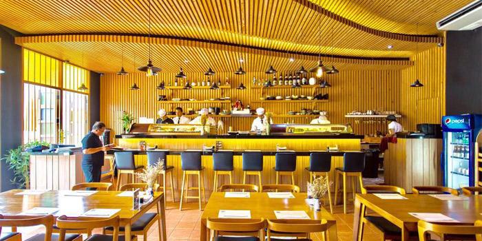 Atmosphere of Shun Sushi in Phuket Town, Phuket, Thailand
