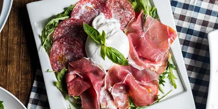 Cold Cut Mozzarella from Mondo Mio Italian Restaurant & Bar in Robertson Quay, Singapore