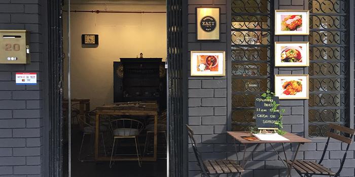 Entrance of Easy Noodles Bar in Jalan Besar, Singapore