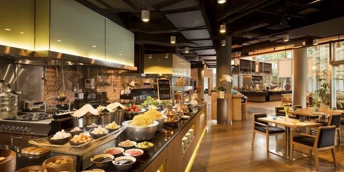 OPEN} Restaurant (DoubleTree By Hilton Jakarta)
