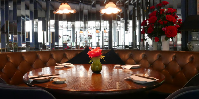 Dining Table of In the Mood for Love -ONE- at Ekkamai 1 Alley Khlong Tan Nuea, Watthana Bangkok