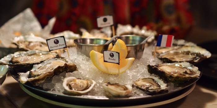 Fresh Oysters from The Raw Bar at 494, The Erawan Bangkok Ploenchit Road, Pathumwan Bangkok