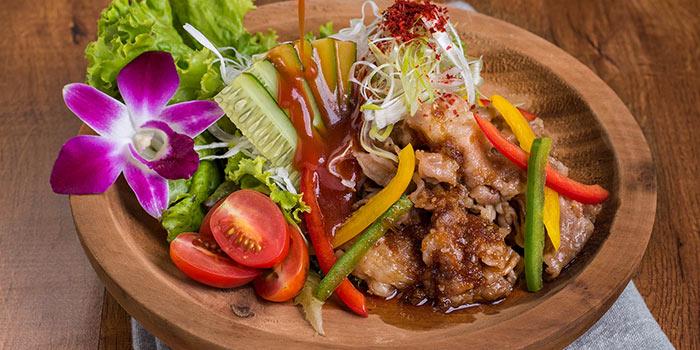 Beef Yakiniku Salad with Korean Dressing at Ebisuya Maxx Box