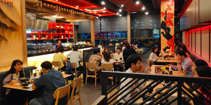 Ambience of Kazan by sushi yama at Singha complex tower 1788 Fl.1 unit102 Petchburi Road Bangkapi, Huai Khwang Bangkok