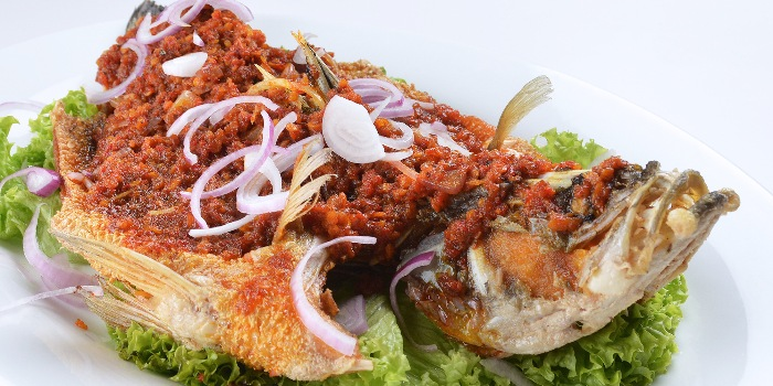 Deep-fried Fish with Chef