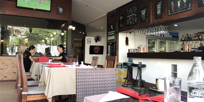 Restaurant-Atmosphere of Mamma Mia in Bangtao, Phuket, Thailand.
