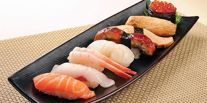 Nigiri Sushi 8 Kinds from Shimbashi Soba at Paragon in Orchard, Singapore