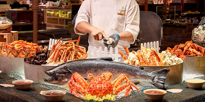 Seafood Spread from Edge at Pan Pacific Singapore in Promenade, Singapore