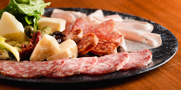Cold Cut & Cheese Platter from Al Dente at The Commons, Village Floor 55 Sukhumvit Rd, Soi Thonglor 17 Bangkok