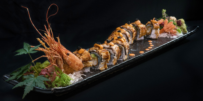 Maki Roll from Mugendai Penthouse at The Emquatier, The Helix 9fi. 693 Sukhumvit Road Khlong Toei Nuea, Wattana Bangkok