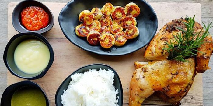 African Rhapsody Chicken from Met Cafe at 918 Soi thonglor sukhumvit 55 Klongton nue, khet wattana Bangkok
