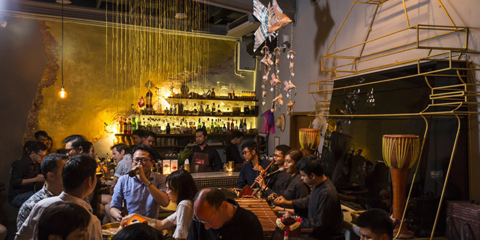 Ambience of TEP BAR on Charoen Krung Road, Bangkok