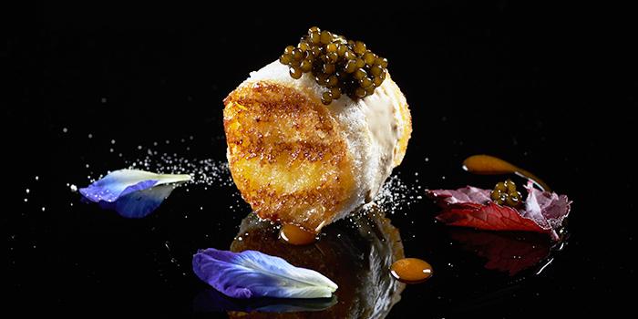 Cristal de chine Caviar from Restaurant Labyrinth in Esplanade in Promenade, Singapore