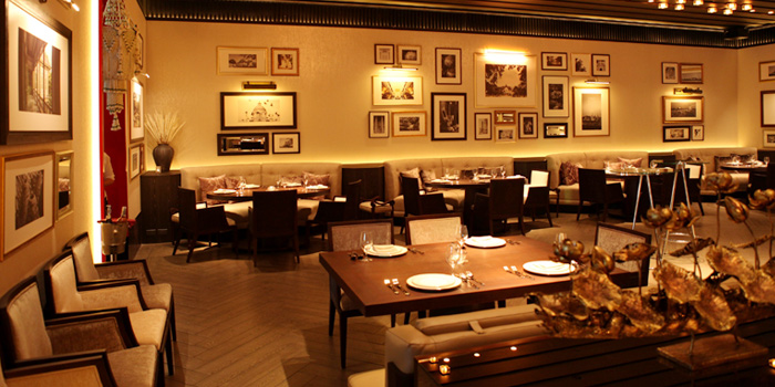 Dining Area of Saneh Jaan at G/F, Sindhorn Tower 130-132 Wireless Road Pathumwan Bangkok