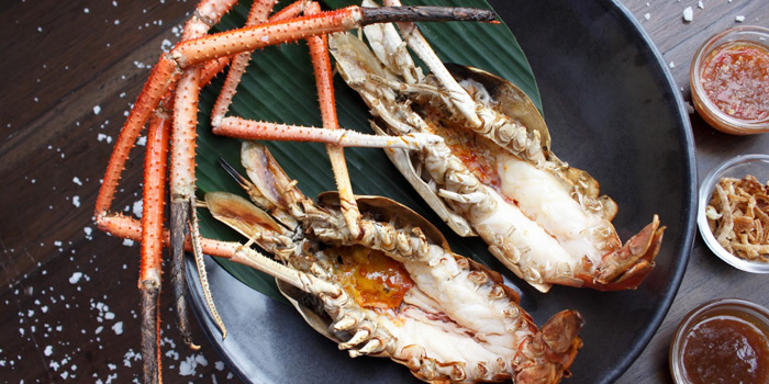 Grilled River Prawns from Supatra River House at 266 Soi Wat Rakhang Arunamarin Road Siriraj, Bangkok Noi Bangkok