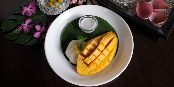 Mango with Sticky Rice from Supatra River House at 266 Soi Wat Rakhang Arunamarin Road Siriraj, Bangkok Noi Bangkok
