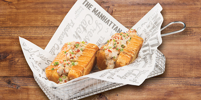 Lobster Roll from The Manhattan Fish Market (Causeway Point) in Woodlands, Singapore