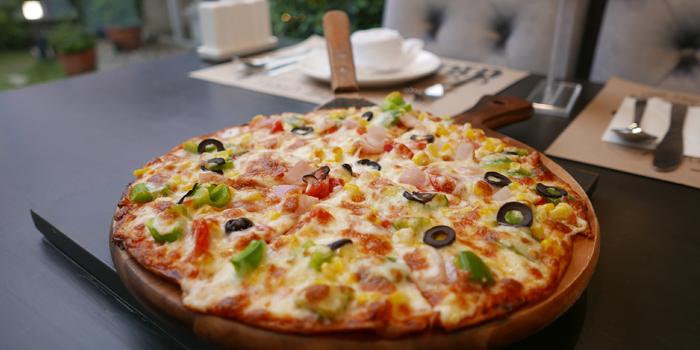 Selection of Pizza from BBQ FUSION at 33 Rama III Soi 48 Khwaeng Chong Nonsi, Khet Yan Nawa Bangkok