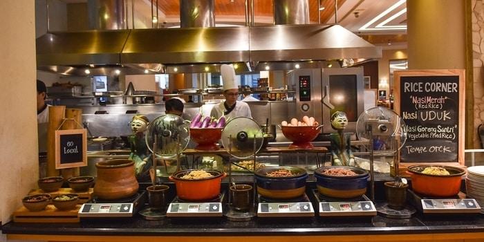 Buffet at Sailendra (JW Marriott)