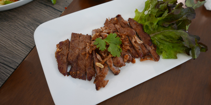 Deep Fried Pork with Chili Dip from Baan Kanploo at 445/1 Pradit Manutham Road Wang Thonglang, Bangkok