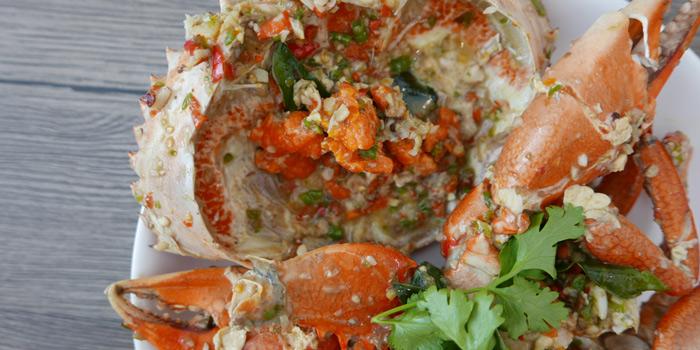 Fried Crab with Chili from Baan Kanploo at 445/1 Pradit Manutham Road Wang Thonglang, Bangkok