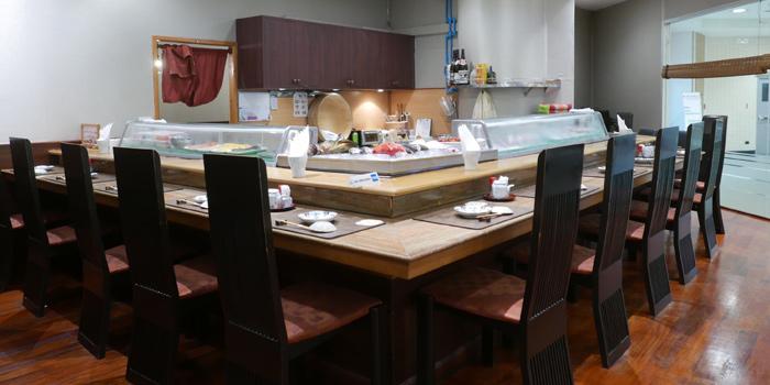 Sushi Bar of Sushi Cyu & Carnival Yakiniku at 303-304 87/2 Witthayu Road Lumphini, Pathumwan Bangkok
