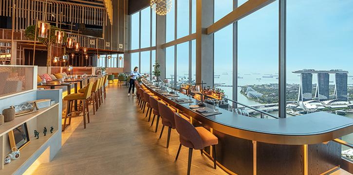 Counter Seating of SKAI Restaurant at Swissotel the Stamford in City Hall, Singapore