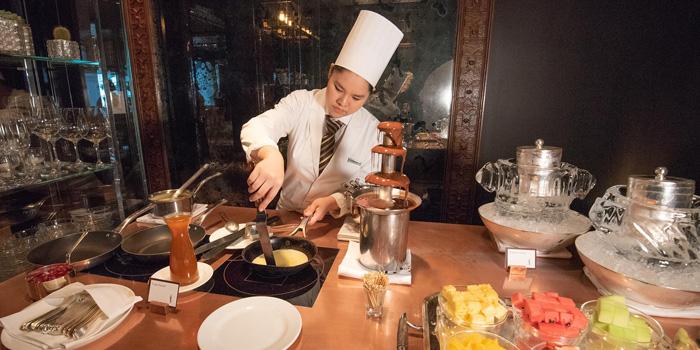 Brunch from Tables Grill Restaurant at Grand Hyatt Erawan, Bangkok