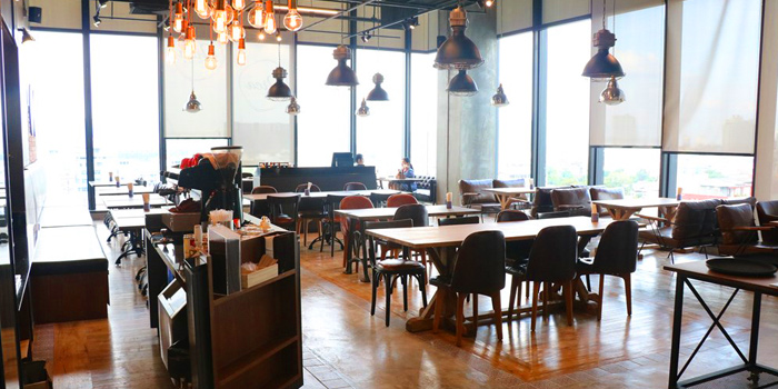 Dining Area from Orca Baker & Butcher Gateway at Bangsue 4 Floor 162/1-2,168 10 Pracha Rat 2 Rd, Bang Sue Bangkok