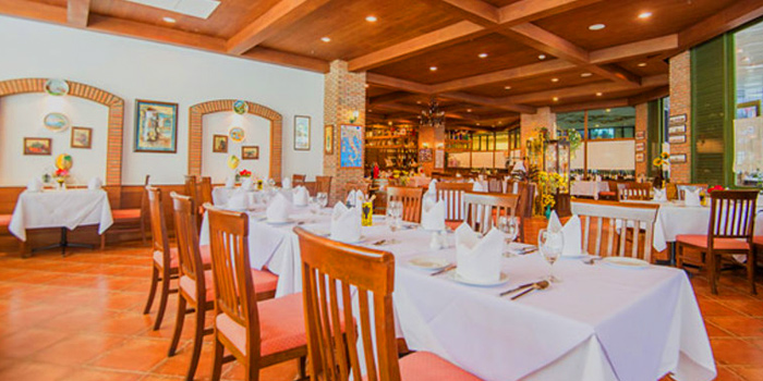 Dining Area of Sala Rossa at The Grand Building Soi Mahadlekluang 2,Rajdamri Rd Lumpini,Pathumwan Bangkok