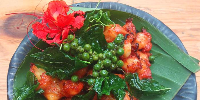 Fried Chicken Knuckles from Yelo Cafe at 20/2 Rama I Rd Khwaeng Wang Mai, Khet Pathum Wan Bangkok