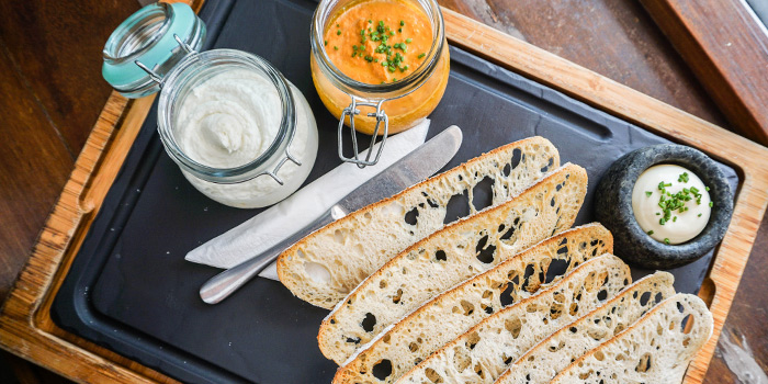"""Homemade Spider Crab Pate & Cod Fish """"Brandada"""" served with Thin Toasts from Binomio on Craig Road in Tanjong Pagar, Singapore"""