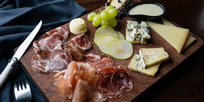 Cheese & Charcuterie Platter from LQV Le Quinze Vins in Telok Ayer, Singapore