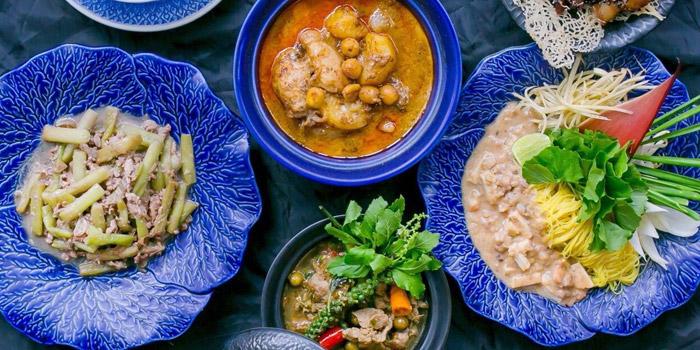 Selection of Food from Yelo Cafe at 20/2 Rama I Rd Khwaeng Wang Mai, Khet Pathum Wan Bangkok