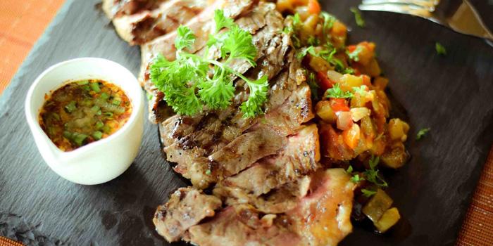 Sirloin Steak from Zook Rooftop Bar at Zazz Urban Hotel 308/1 Rama 9 Road Huai Kwang, Bangkok
