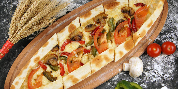 Vegetable Pide from Istanblue Meze & Grill Turkish Restaurant in Bugis, Singapore