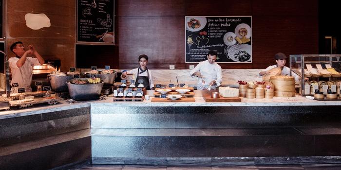 Ambience of Latest Recipe at Le Méridien Bangkok 40/5 Surawong Road, Bangrak Bangkok