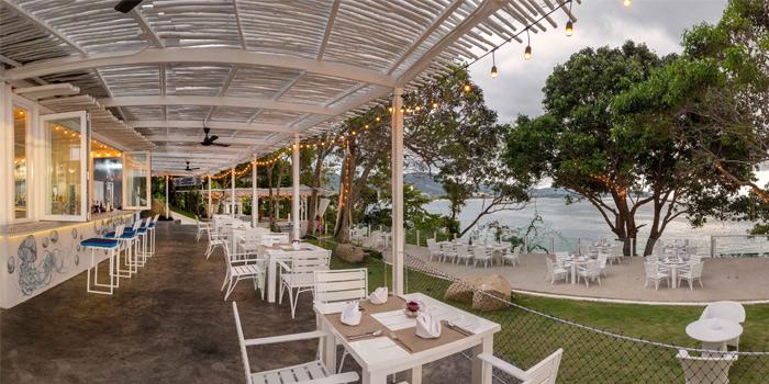 Ambinace of Secret Sunset in Karon, Phuket, Thailand