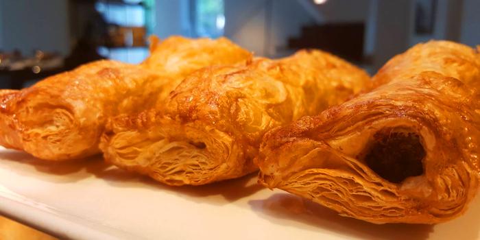 Apple Chausson from Holey Bakery Suanplu at 39/17 Suan Phlu Khwaeng Thung Maha Mek, Sathon Bangkok