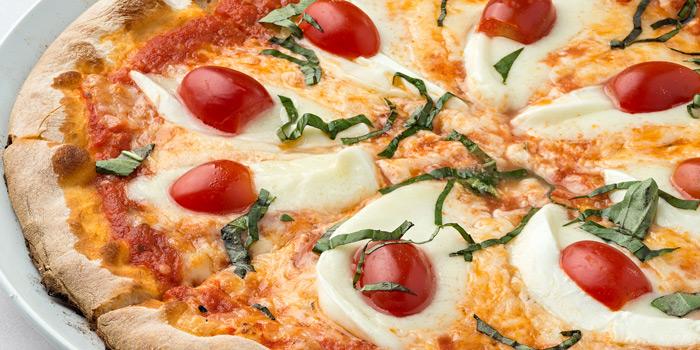 Bufalina Pizza from Sole Mio Pizzeria Italian Restaurant Wine Bar at Akkhara Phat Alley Khlong Tan Nuea, Khet Watthana Bangkok