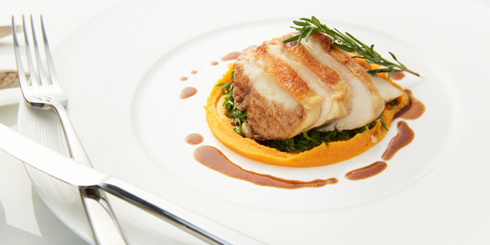 Chicken Dishes from 1823 Tea Lounge by Ronnefeldt at Gaysorn Plaza G/F, 999 Phloen Chit Rd Bangkok