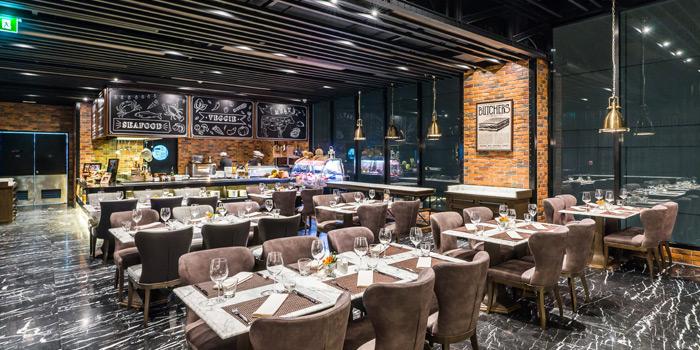 Dining Area of Prime+ Urban Grill Restaurant & Bar at Floor7th, Compass SkyView Hotel 12 Sukhumvit 24 Klongton, Klongtoey Bangkok